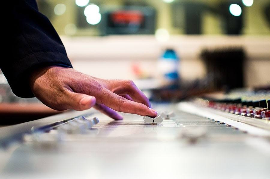 how to become a producer from DJ